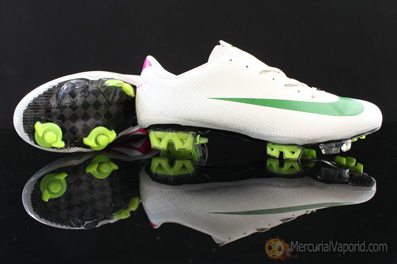 7d0e25a4f16f Mercuroal Vapor Superfly III fg nike Safari whtie green shoes ...